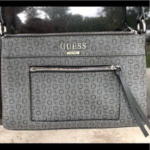 🚨SALE- send an offer!! GUESS crossbody